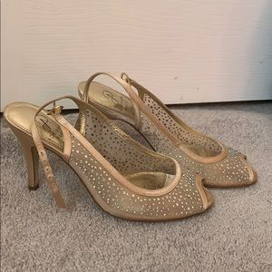 Nude sparkled Adrianna Papell Heels